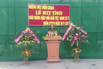 Lễ mít tinh chào mừng Ngày Nhà giáo Việt Nam 20/11
